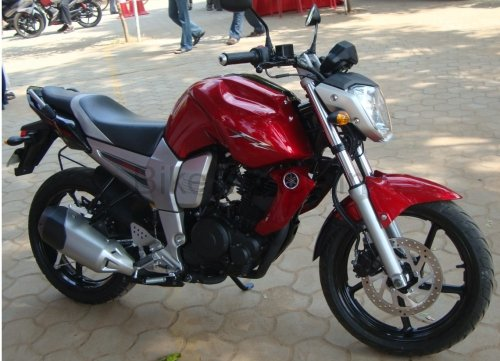 20-Nov-2008 Update: I have posted another review of Yamaha FZ16 Black