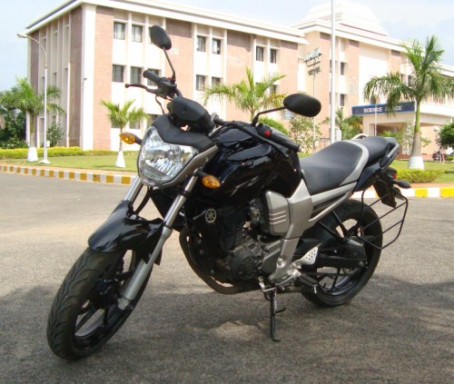 Yamaha FZ16 Black Color