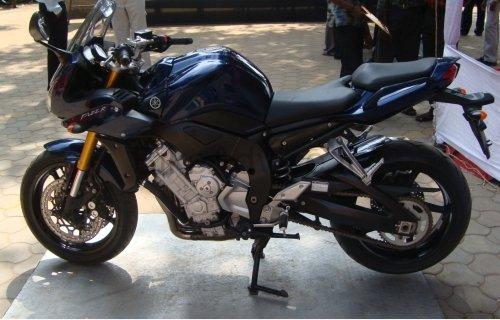 Yamaha FZ1 Fazer 1000 Review