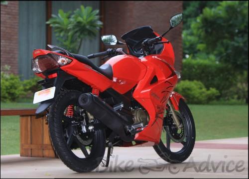 karizma-zmr-pgm-fi-red-photos-india-2
