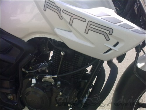 TVS Apache RTR 180 White (3)