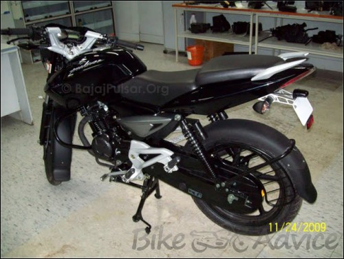 Bajaj Pulsar 135 DTS Si Spy Photos (3)