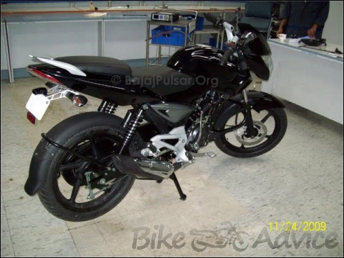 Bajaj Pulsar 135 DTS Si Spy Photos
