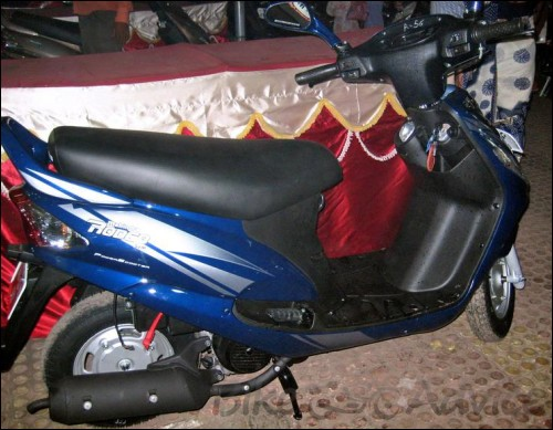Mahindra Rodeo & Mahindra Duro 125cc Scooter Reviews