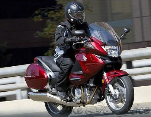 2010 Honda NT700V Sport Tourer Review