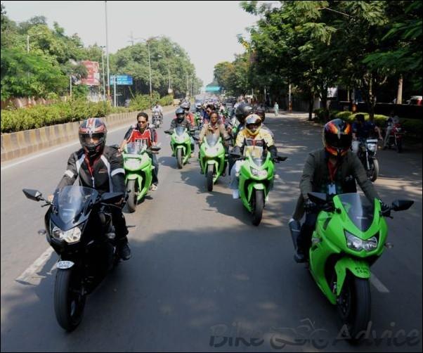Kawasaki Celebrates the Sale of 1000 Ninja 250R bikes in India