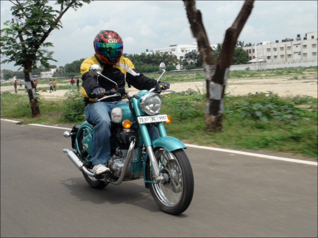 royal enfield classic 500cc review, price, photos, specifications