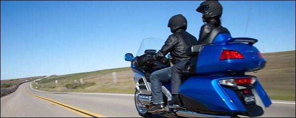 pillion rider etiquettes