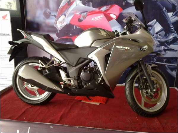 honda cbr 150 green colour combination