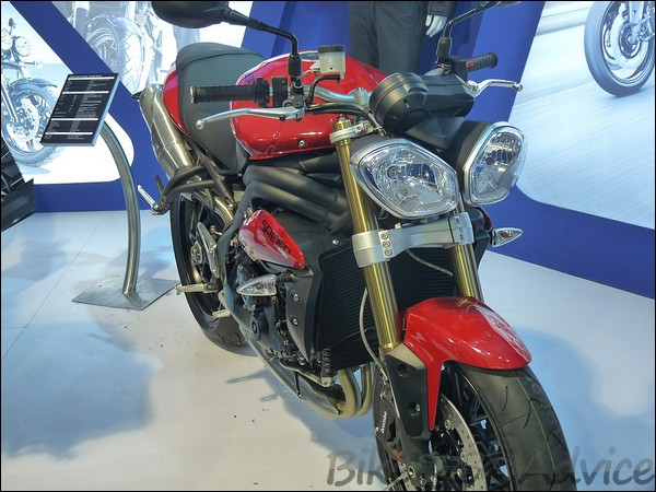 Auto Expo 2012 Triumph Stall, Models, Details & Prices BikeAdvice (9)
