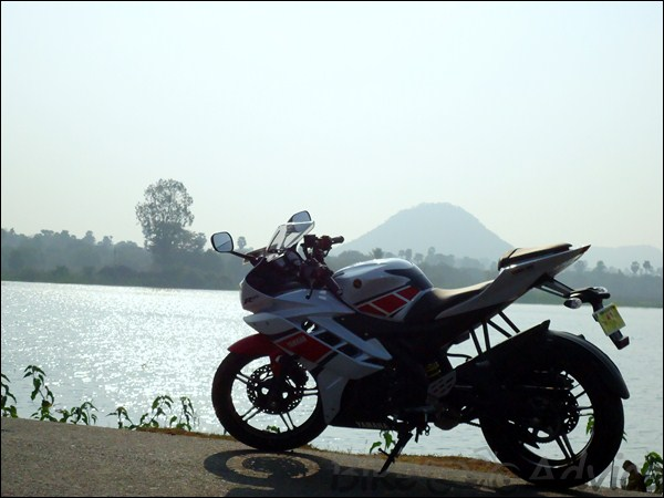 Yamaha R15 V2 0 Limited Edition White 1400 Kms Review By