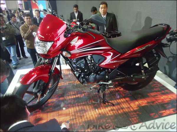 Honda Motorcyles Launches Dream Yuga Priced At Rs 44 642 Ex