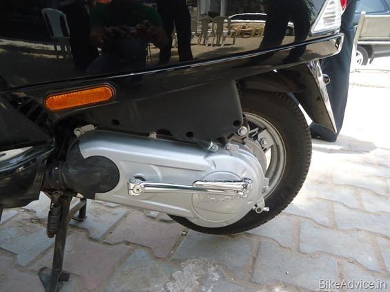 Vespa Scooter 2012
