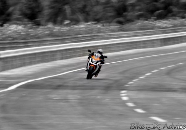 Honda CBR150R-2012