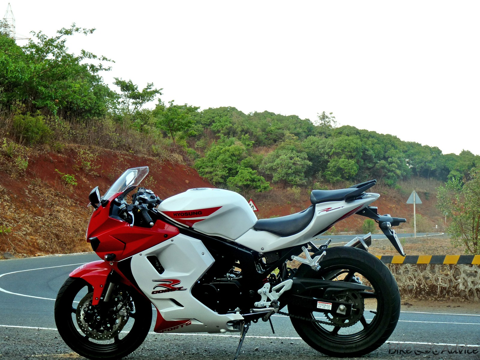 2012 Hyosung GT250R India Review and Test Ride