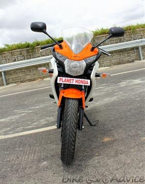 Honda CBR150R front