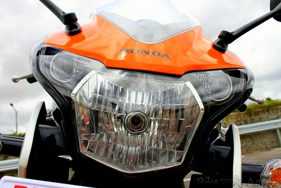 Honda CBR150R headlights