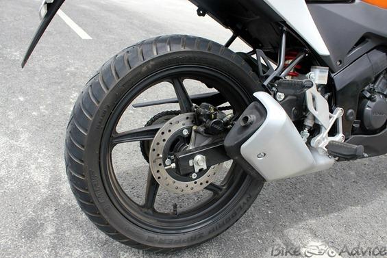Honda CBR150R rear tyre
