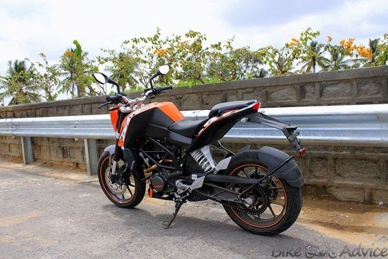 KTM Duke 200 pic