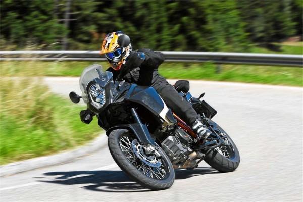 2013-KTM-Adventure-R-action