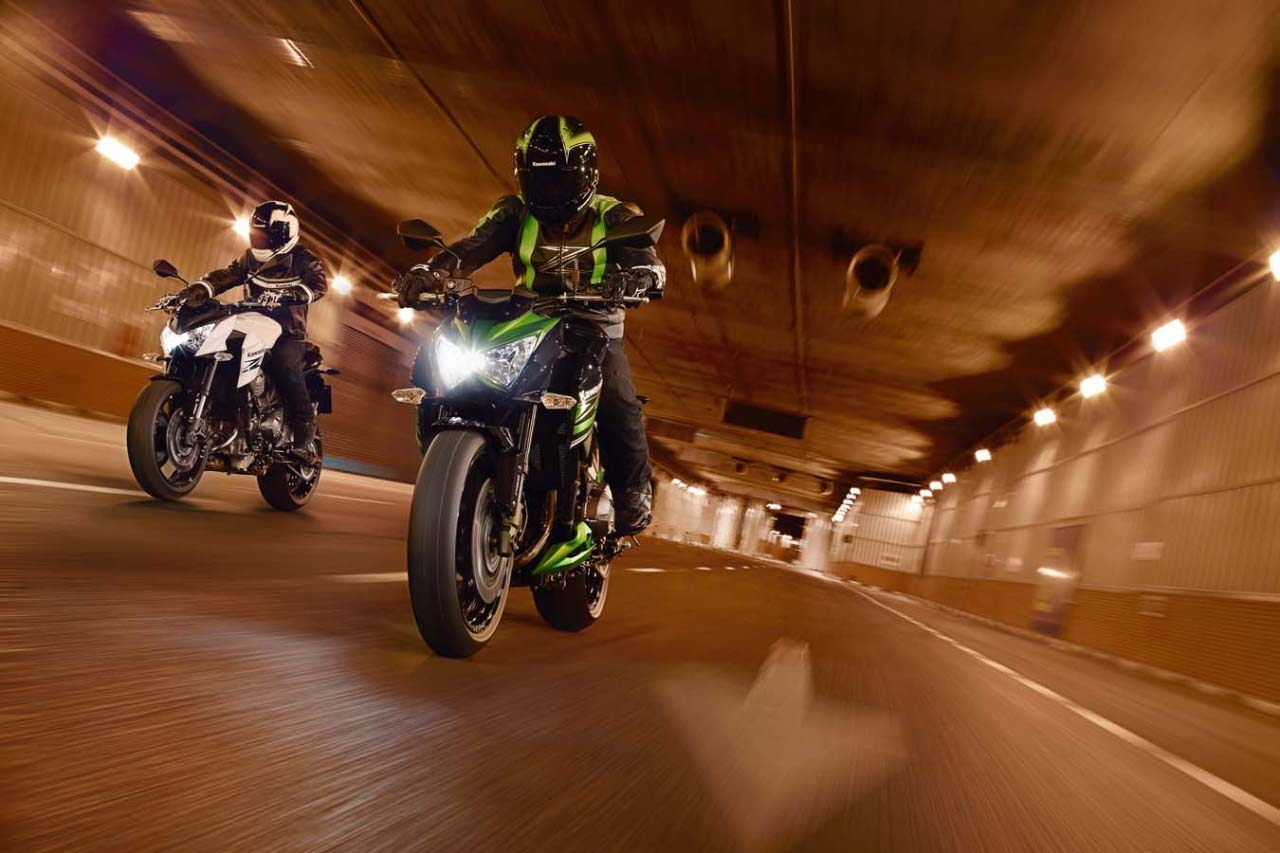 Meet The New Super Middleweight The Kawasaki Z800 With Promo