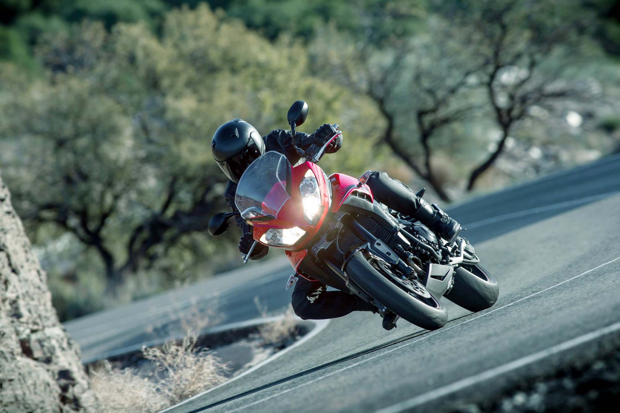 triumph-tiger-sport-1050-action