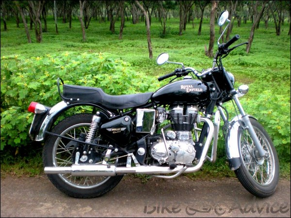 Royal Enfield 350cc Ownership Review by Rohit Amonkar bikeadvice in (2)