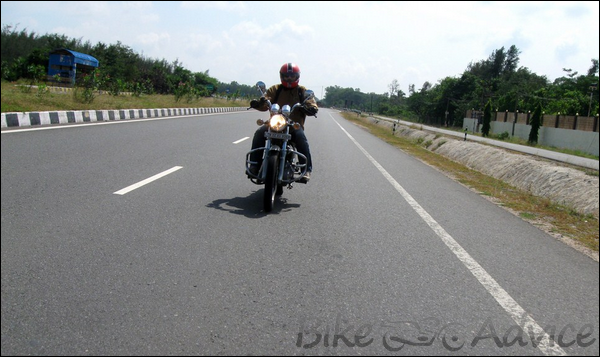 Royal Enfield ThunderBird Twinspark 350cc Ownership Review by Sai Viswanath bikeadvice in (4)