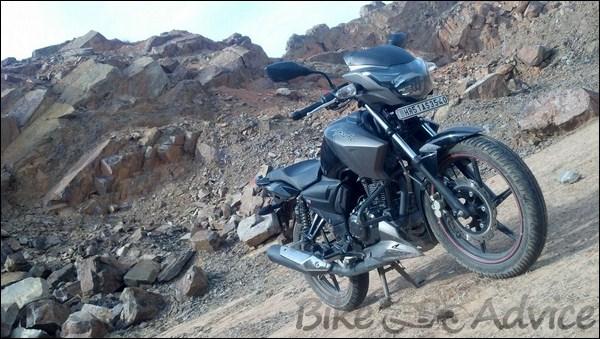 TVS Apache RTR 160 Hyper Edge Ownership Review by Karan Bansatta bikeadvice in (16)