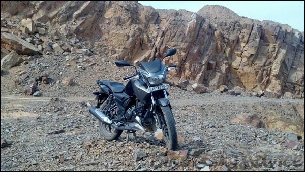TVS Apache RTR 160 Hyper Edge Ownership Review by Karan Bansatta bikeadvice in (6)