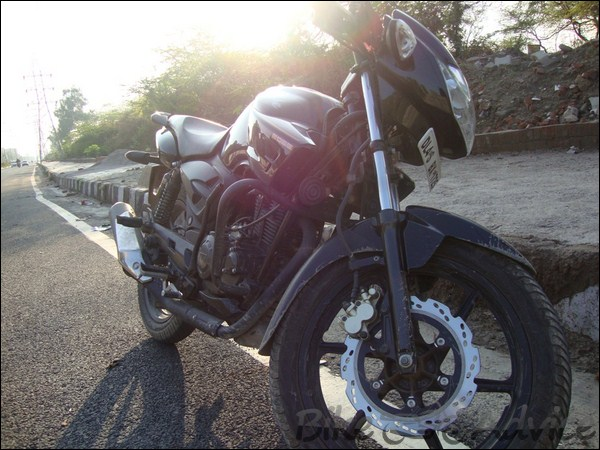 TVS Apache RTR160 Hyperedge Ownership Review by Vaibhav Chauhan bikeadvice in (7)