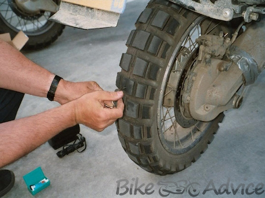 1_r1200gs_tyre_puncture_repair (Copy)