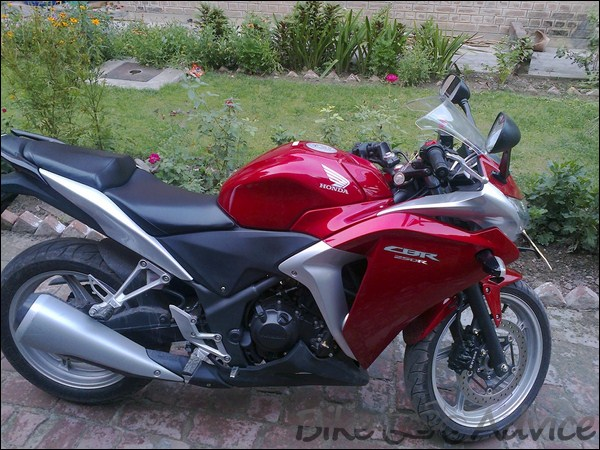 Honda CBR 250R Ownership review by Adarsh Jose bikeadvice in (23)