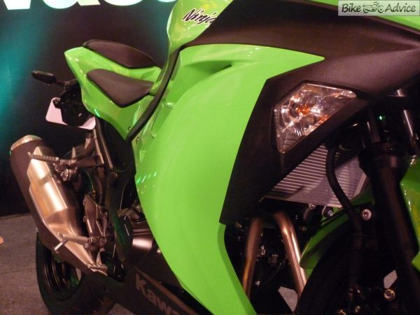 Kawasaki-Ninja-300 (19)