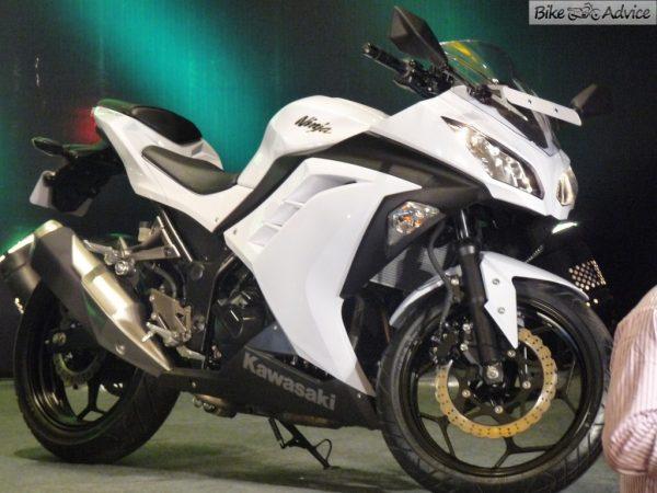 New Kawasaki Ninja 300 A Closer Look And Pictures 24 Images