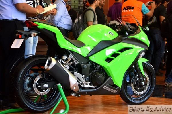 Kawasaki Ninja 300 Pics Details And Preview 23 Pic Gallery