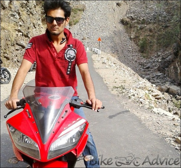 Yamaha R15 V2.0 Ownership Review By Madhur Choudhary bikeadvice in (1)