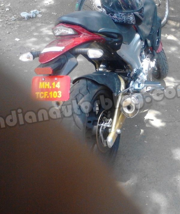 Mahindra-Mojo-spied-in-Pune-rear