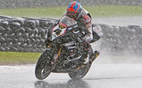 Riding in rain Bikeadvice.in