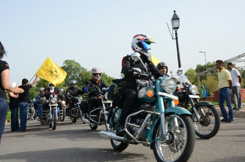 wpid-Royal-Enfield_Himalayan-Odyssey_India-Gate-1.JPG