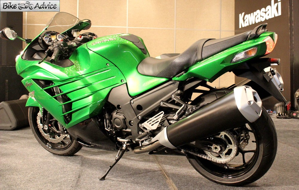 Kawasaki Begins Deliveries of ZX-10R & ZX-14R in India
