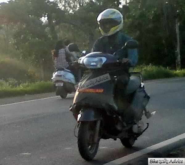 Mahindra-301-110cc-Scooter (2)