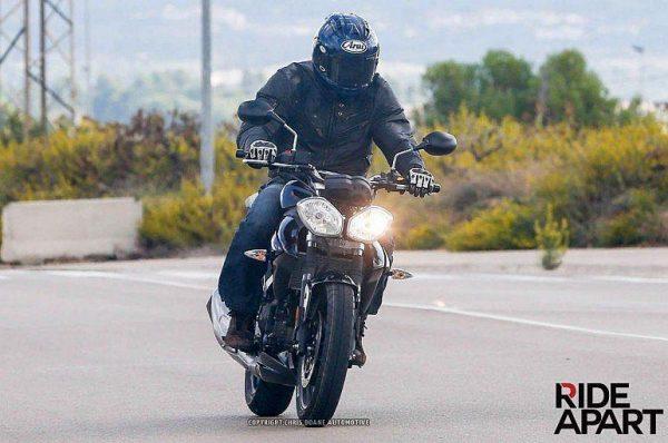Triump-New-250cc-Bike-Spy-Pic (2)
