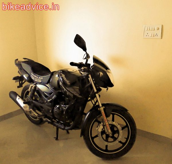 TVS-Apache-RTR-180-Review (2)