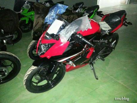 2014-Kawasaki-Ninja-250SL-RR-Mono (3)