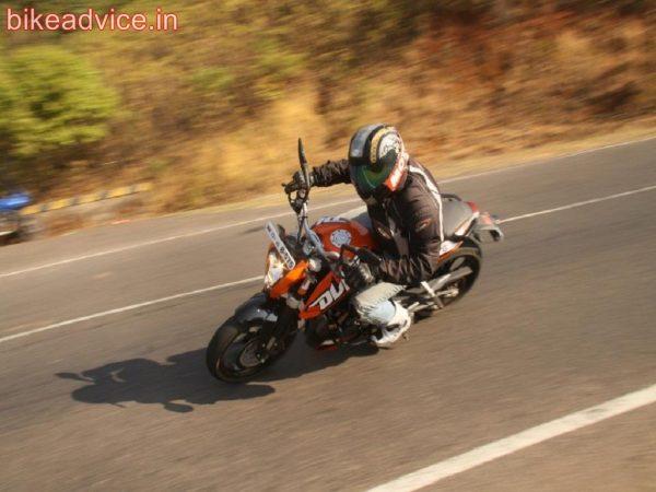 KTM-DUKE-200-Pic-Review (2)