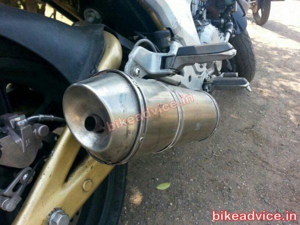 Mahindra-Mojo-Exhaust