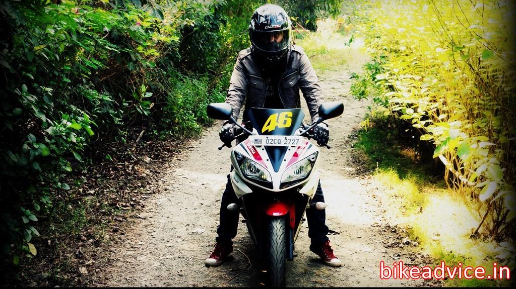 R15 V2 Red And White Yamaha-R15-V2-Review-P...