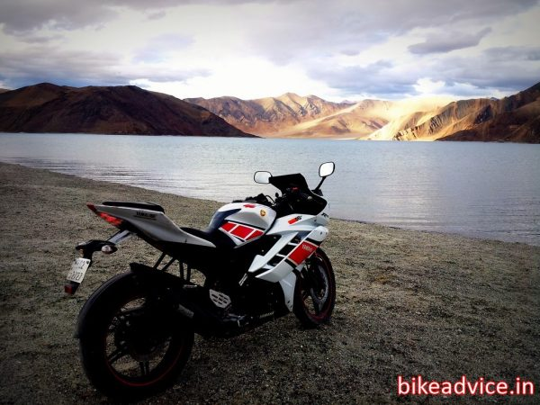 Yamaha-R15-V2-Review-Pic (6)