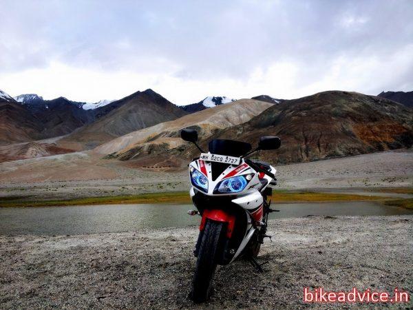 Yamaha-R15-V2-Review-Pic (7)